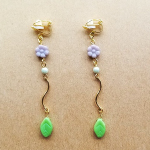 カラフル小花のイヤリング(purple)