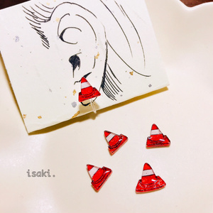 赤パイロンのイヤリング【送料、梱包代込み価格】