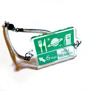 道路標識ブレスレット