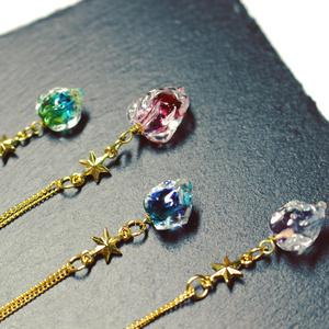鉱石ガラスのネックレス