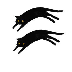 黒猫が縦に配置されてるT