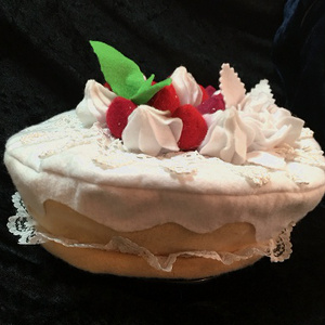 【GW手芸部】イチゴの生クリームケーキのベレー帽