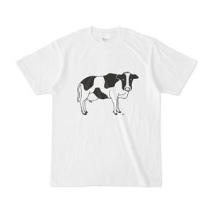 牛が見てる 動物イラストTシャツ