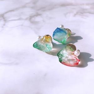 バスブロ 鉱石レジン耳飾り