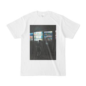 自販機とワカイTシャツ