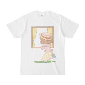 後ろの人を旅行に誘う並木芽衣子Tシャツ(白)