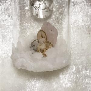 氷のしずくのペンダント