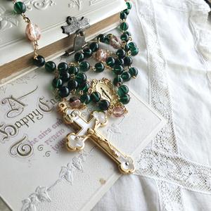 【 ロザリオ 】グリーン・ベルベット - robe vert et cerisier -
