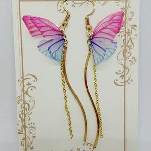 ひらひら 蝶のピアス