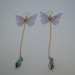ふわり揺れる 蝶々ピアス
