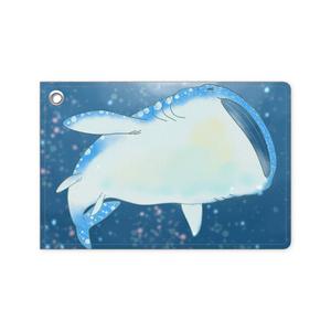 星を泳ぐジンベイザメ パスケース