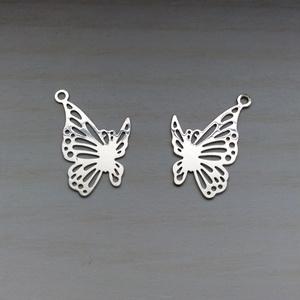 【送料無料】蝶のノンホールピアス