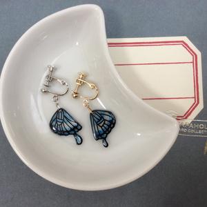 蝶の羽根のイヤリング/ブルー