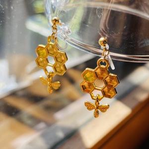『蜜だまり』耳飾り