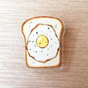 「目玉焼きパン」アクリルバッジクリップ