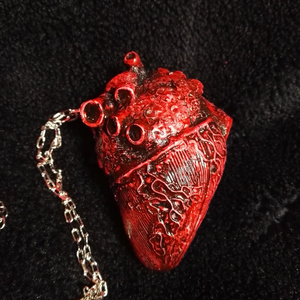 心臓ネックレス