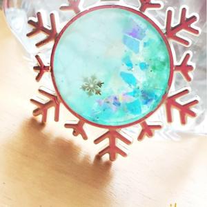 YOI 雪の結晶ペンダント・ストラップ