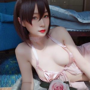 白银81 - 粉色蝴蝶睡衣