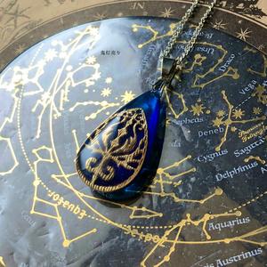 空を飛べる雫の魔鉱石 ジブリの飛行石イメージ 蓄光するアンティーク調ネックレス