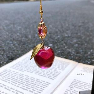 りんごでもいっしょに。 ガラスのような三種類林檎 宝石のような可愛らしいリンゴネックレスor片耳ピアス イヤリング