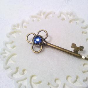 魔法の鍵のヘアピン(中央カラーが選べます)