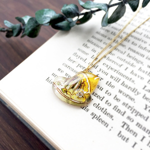 Lemon squeezer necklace レモンしぼり器のネックレス
