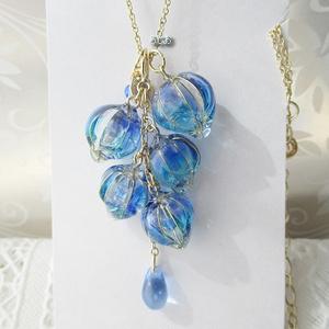 藤の花のネックレス 金 青い花