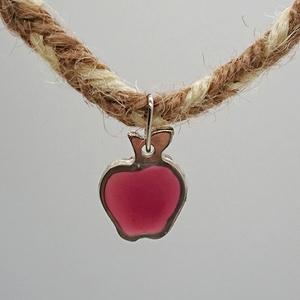 りんごのヘンプブレスレット