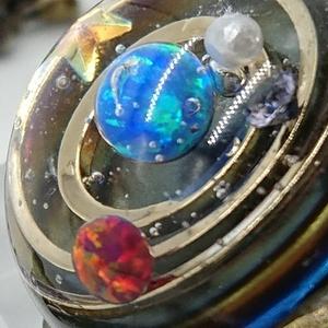 太陽系を覗けるブレスレット
