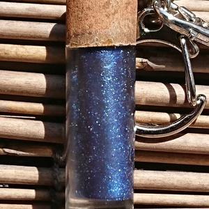 青色のサンプルレザーチェーン