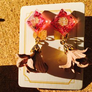 光を集める 花水晶イヤリング
