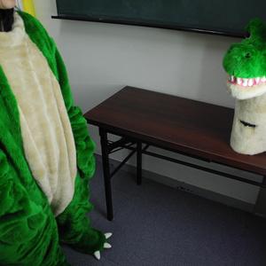 01 Kigurumi=Back_Stage_Dinosaur