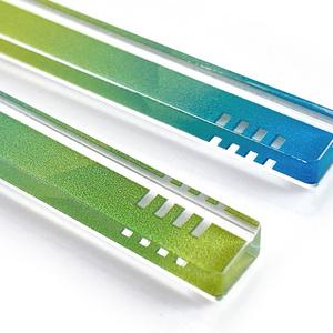 【hourglass/green】ピアス・イヤリング|アクリルアクセサリー|||モード系|ユニーク|個性的|ストリート系|メンズ|スティック|揺れる|緑|スタイリッシュ
