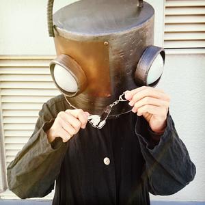 ロボット頭 バイバイアクリルキーホルダー