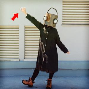 ロボット頭 缶バッチ 「ハイッ」