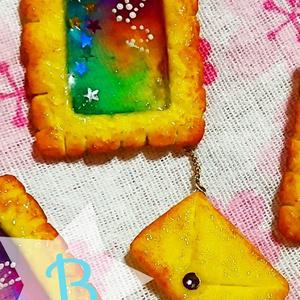切手のステンドグラスクッキー ブローチ