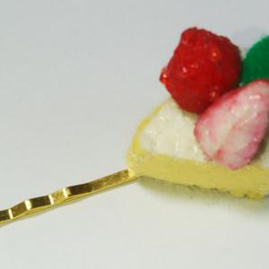 苺ショートケーキのヘアピン(送料無料)