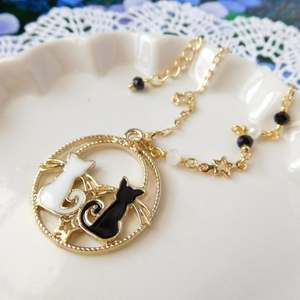 満月とラブラブにゃんこのドール用ネックレス