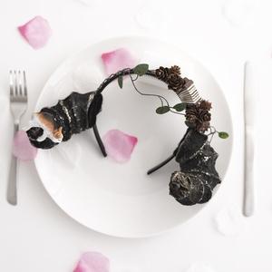 角カチューシャ 猫 秋 まつぼっくり【炭水化物】