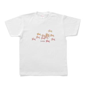 走る犬のTシャツ(ピンク)