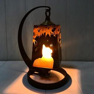 夕暮れの紅葉詠み猫/ノスタルジック角ランプ