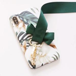 【緑葉】可愛い リボン デザイン iPhoneケース ソフトカバー