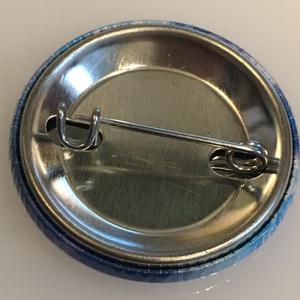 メンダコの缶バッジ