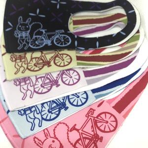 エゾリスと自転車の柄の抗菌マスク(Mサイズ)