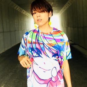 「Pls take my hand」Tシャツ