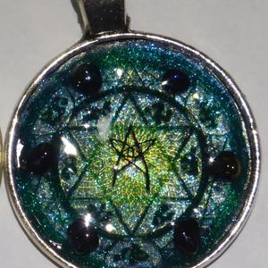 ブラッドボーン-カレル文字ネックレス―瞳を入れたオリジナルデザイン(φ27mm)