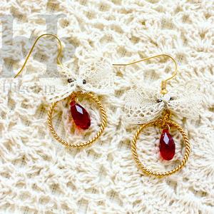 スワロフスキー&レースピアス/ Swarovski & race earring