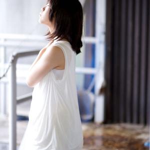 少女×中銀カプセルタワービル写真集「THE CAPSULE GIRL」