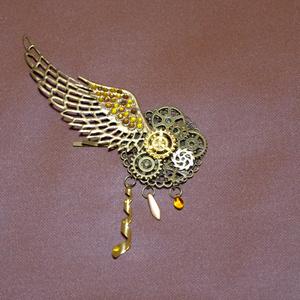 羽ばたく翼のヘアピン