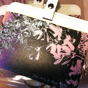 【104号室イメージ】彼岸花とコスモスのパスケース